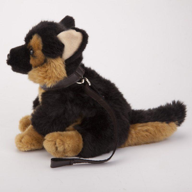 Pies na smyczy 18 cm