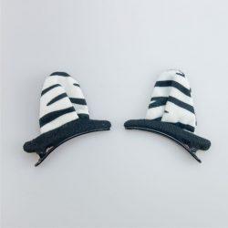 Uszy przypinane zebra