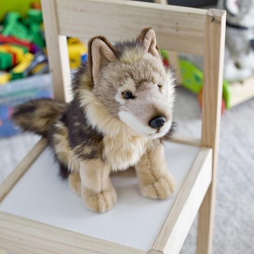 pluszowy wilk